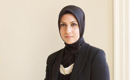 Inilah Hakim Pertama di Inggris yang Mengenakan Hijab