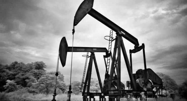 Catatan Sejarah 15 Juni: Tambang Minyak Bumi Komersial Ditemukan di Indonesia