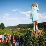 Patung Ibu Negara AS, Melania Trump Dibakar di Slovenia