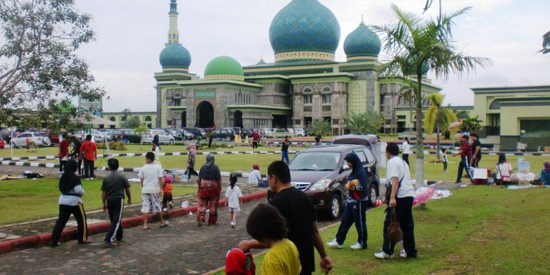 Warga Pekanbaru Tak Lagi Bisa Olah Raga di Halaman Mesjid Raya An-Nur
