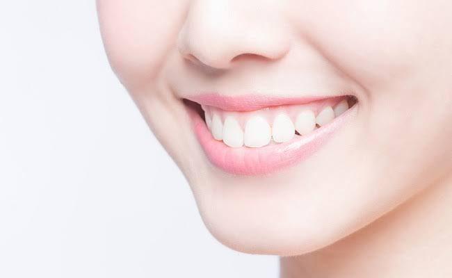 3 Cara Memutihkan Gigi, Perokok Perlu Coba
