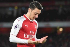 Pelatih Arsenal Sebut Cedera, Mesut Ozil Jawab di Twitternya