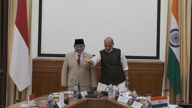 Prabowo Tegaskan Kunjungan Ke India Bukan untuk Urusan Rudal
