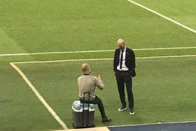 Pep dan Zidane Bicara Berdua di Pinggir Lapangan, Netizen: Ngobrolin Obat Penumbuh Rambut