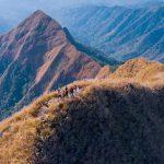 Gunung Piramid Itu Terkenal dengan Medan yang Terjal di Puncaknya
