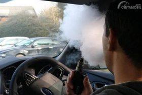 Jangan Hisap Vape dalam Mobil, Bahaya! Ini Penjelasannya
