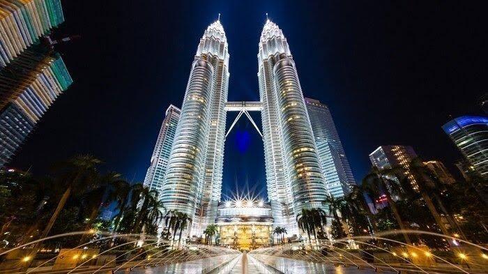 Lockdown Diperketat, Corona di Malaysia Makin Gawat