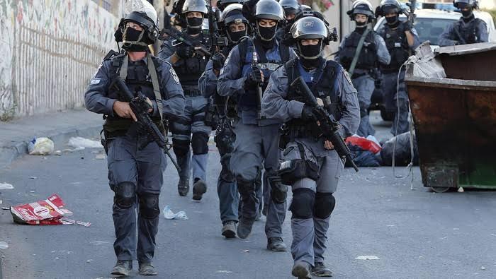 Sedang Shalat, Warga Palestina Diserang Polisi Israel